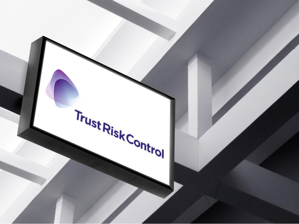 Trust Risk Control skylt